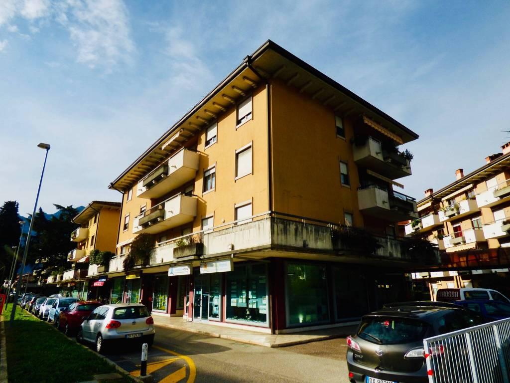 Appartamento in ottime condizioni parzialmente arredato in vendita Rif. 8816364