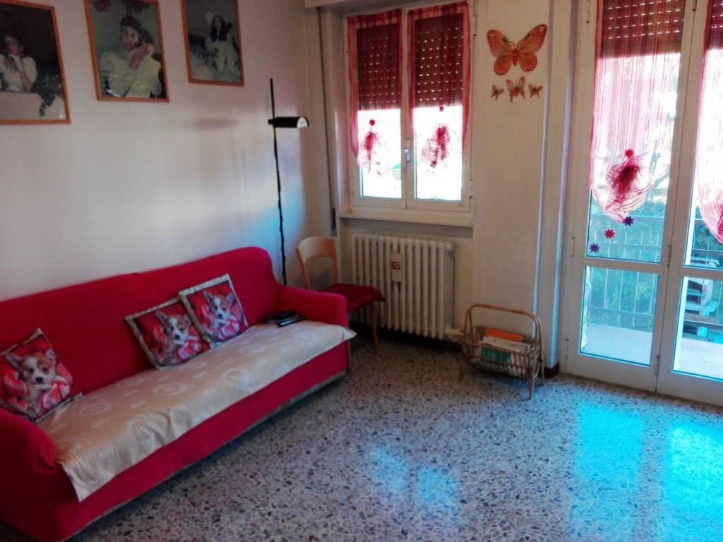 Appartamento in buone condizioni in vendita Rif. 8805113