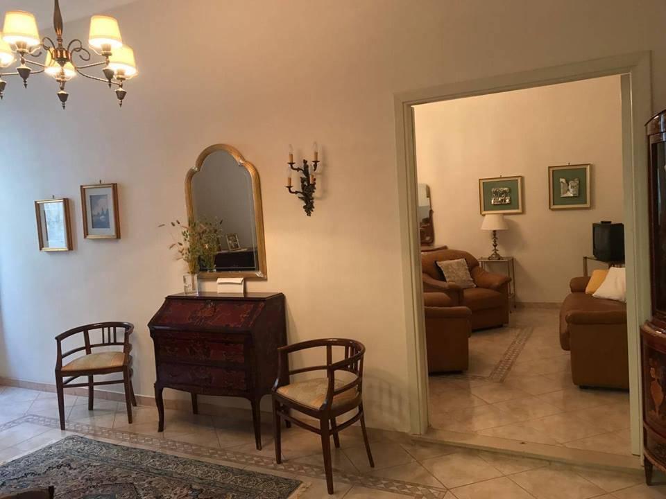 Appartamento in ottime condizioni in vendita Rif. 8804039