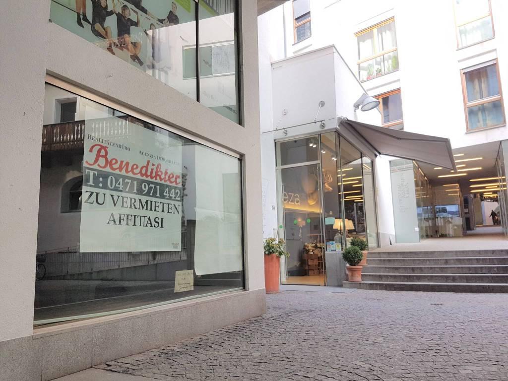 Locale negozio a Merano, in affitto Rif. 8412616