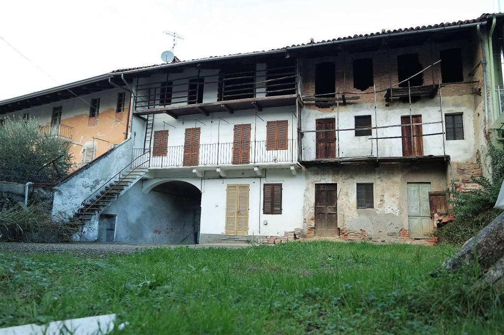 Casa Indipendente da ristrutturare in vendita Rif. 8805181