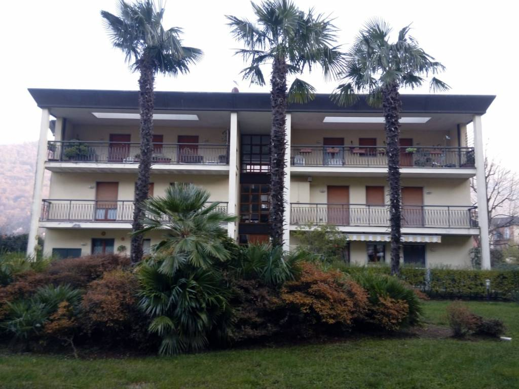 Appartamento in vendita a Porto Ceresio, 2 locali, prezzo € 130.000 | CambioCasa.it