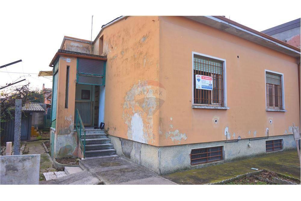 Villa in vendita a Manerbio, 4 locali, prezzo € 115.000 | CambioCasa.it