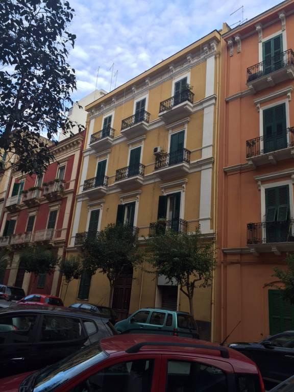 Taranto, appartamento ristrutturato tra lungo mare e centro