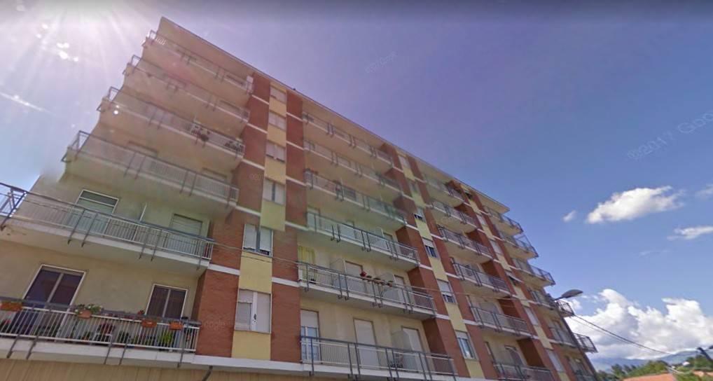 Appartamento in buone condizioni in vendita Rif. 8788454