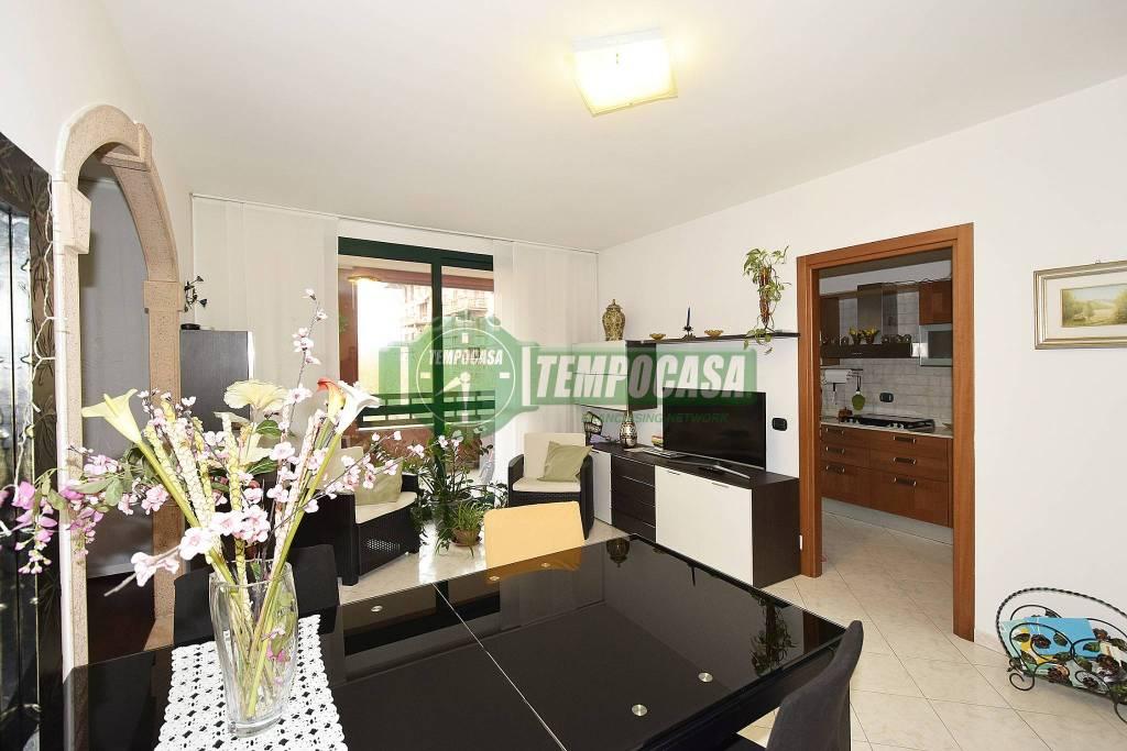 Appartamento in ottime condizioni in vendita Rif. 8815871