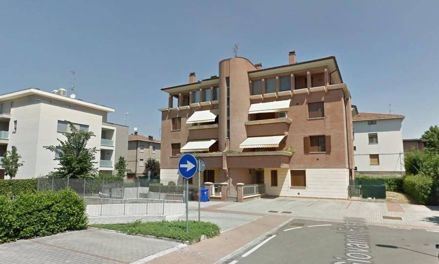 Appartamento in buone condizioni in vendita Rif. 8141437