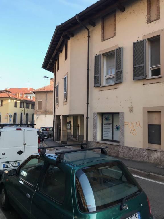 Appartamento in ottime condizioni arredato in affitto Rif. 8815776