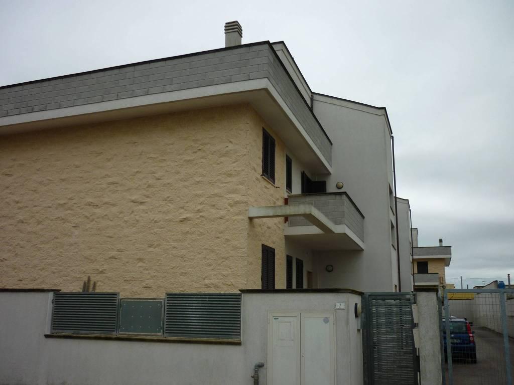 Appartamento in buone condizioni in vendita Rif. 8814706