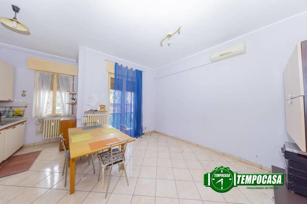 Appartamento in buone condizioni in vendita Rif. 8815748
