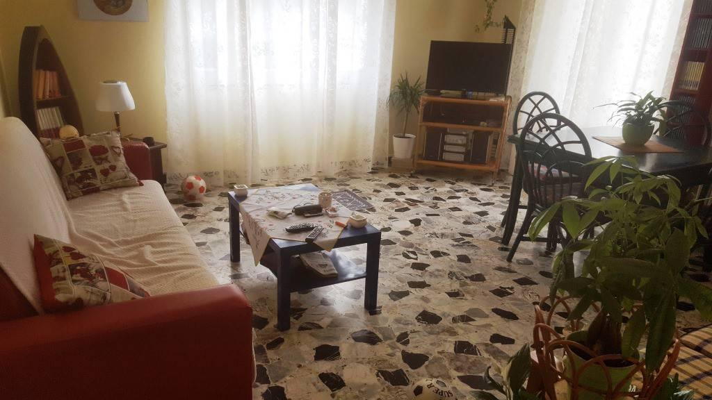 Giulianova lido centro trilocale indipendente in affitto