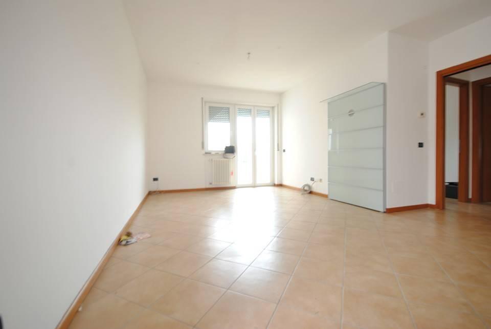 Appartamento in ottime condizioni in affitto Rif. 8815370