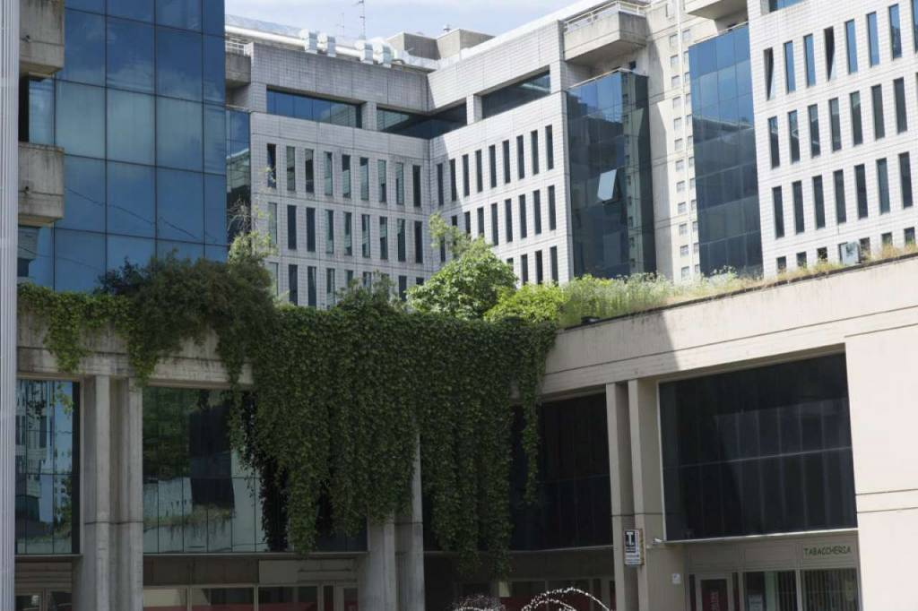 Ufficio-studio in Vendita a Milano: 5 locali, 850 mq