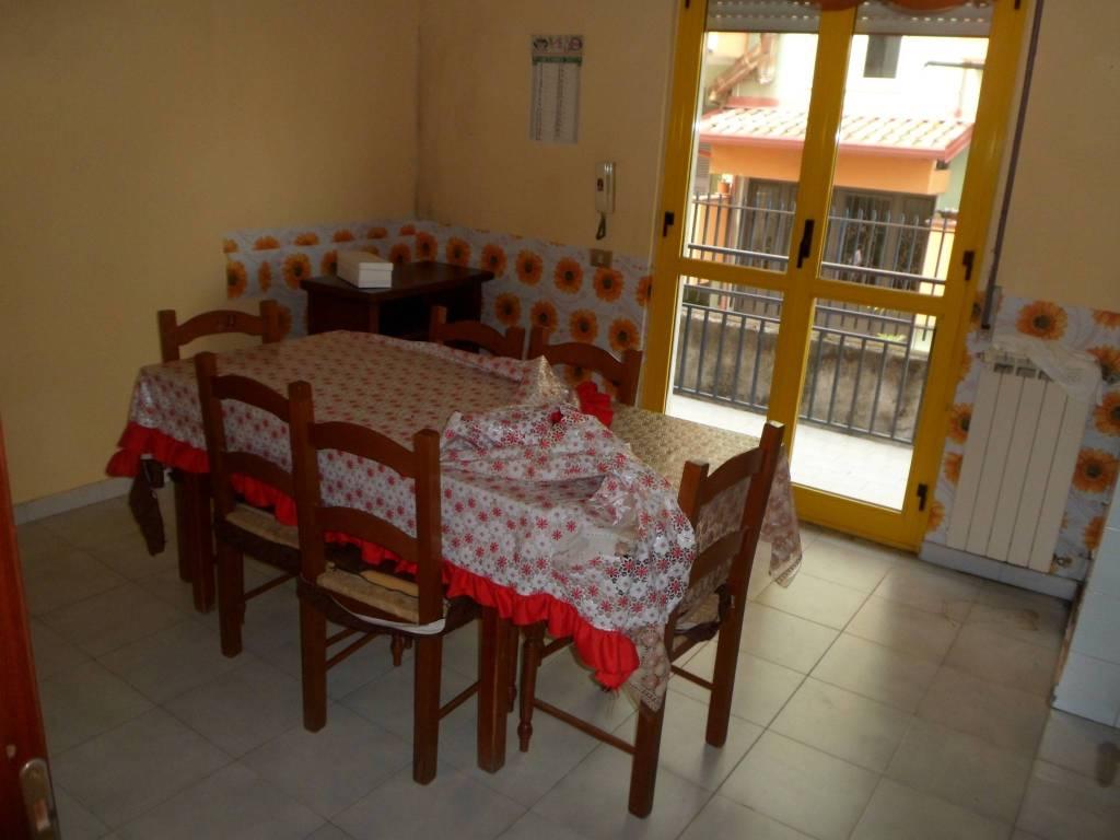 Appartamento in buone condizioni in affitto Rif. 8817452
