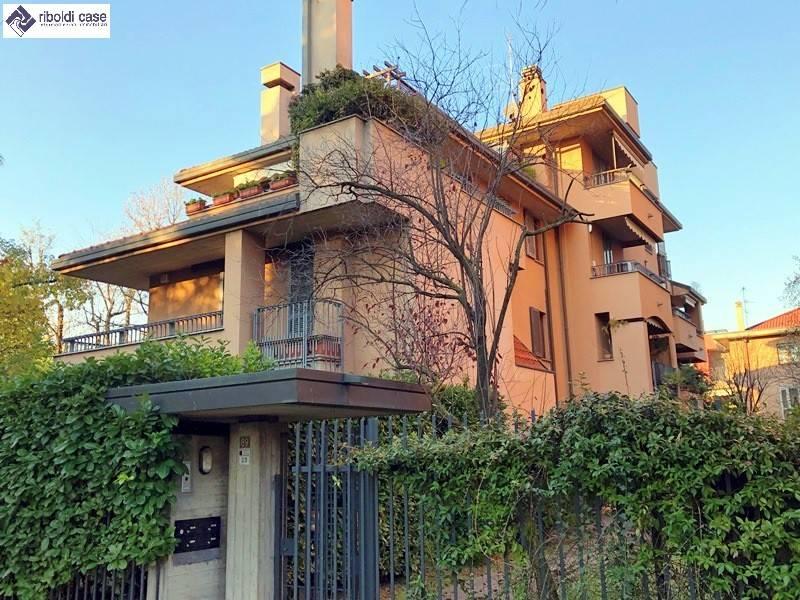 Appartamento in vendita a Desio, 4 locali, prezzo € 340.000 | PortaleAgenzieImmobiliari.it