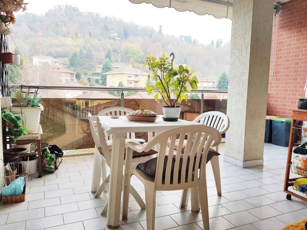 Appartamento in ottime condizioni in vendita Rif. 8816759