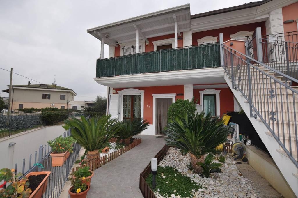 Appartamento in ottime condizioni in vendita Rif. 8814170