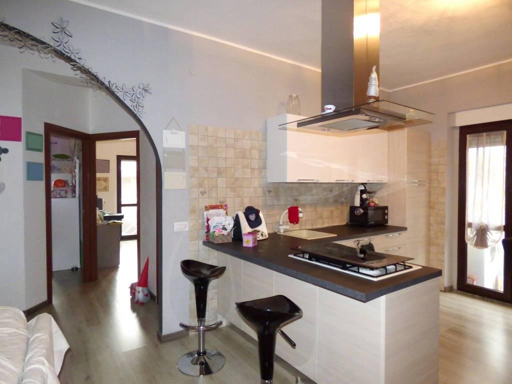 Appartamento in ottime condizioni in vendita Rif. 8925426