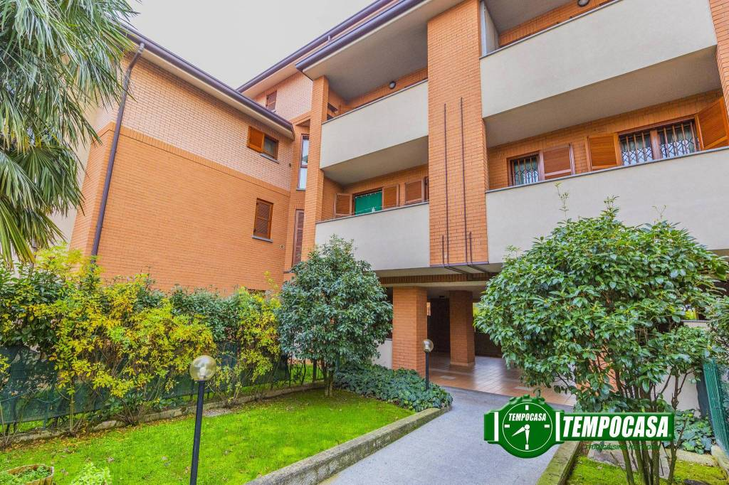 Appartamento in ottime condizioni in vendita Rif. 8815749