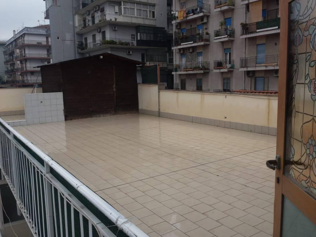 Appartamento in ottime condizioni in affitto Rif. 9381312
