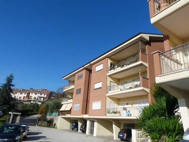 Appartamento in ottime condizioni in vendita Rif. 8814673