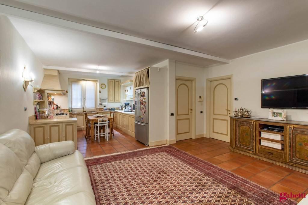 Appartamento in ottime condizioni in vendita Rif. 9100222