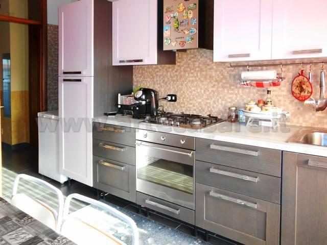 Appartamento in ottime condizioni in vendita Rif. 8815148