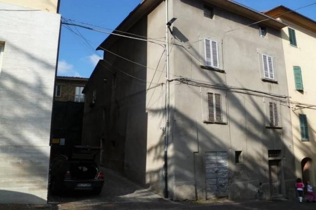 Appartamento da ristrutturare in vendita Rif. 8814221