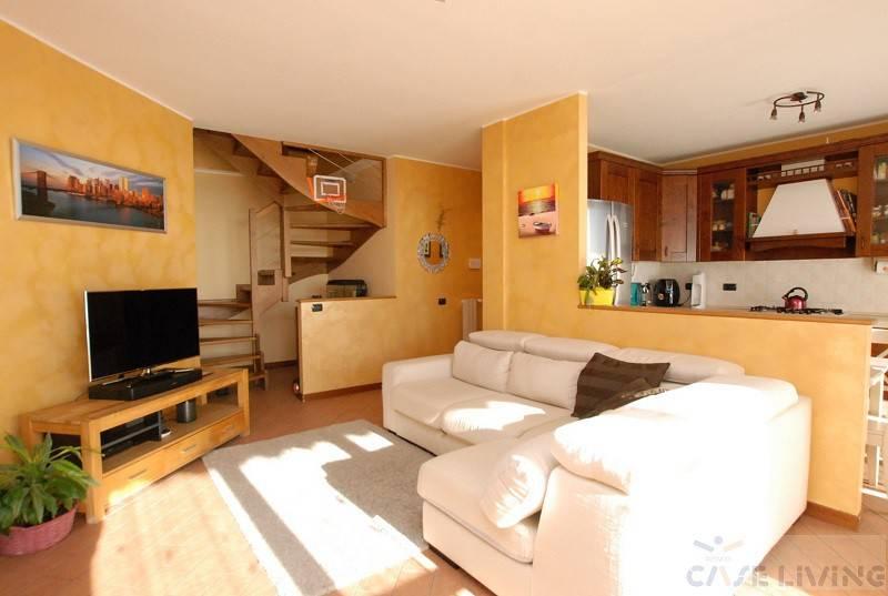 Appartamento in ottime condizioni in vendita Rif. 8814700