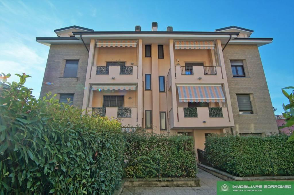 Appartamento in ottime condizioni in vendita Rif. 8816294