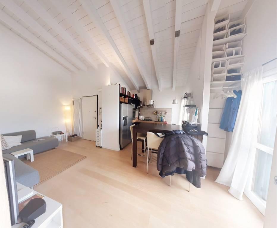 Appartamento in ottime condizioni arredato in vendita Rif. 8814747