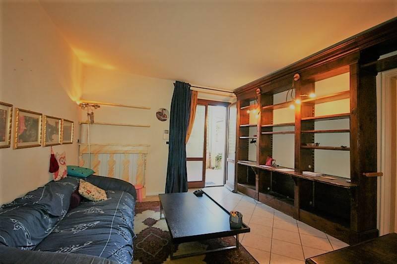 Appartamento in buone condizioni in vendita Rif. 9012984