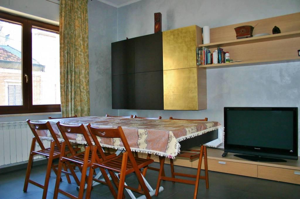 Appartamento in ottime condizioni parzialmente arredato in vendita Rif. 8884490