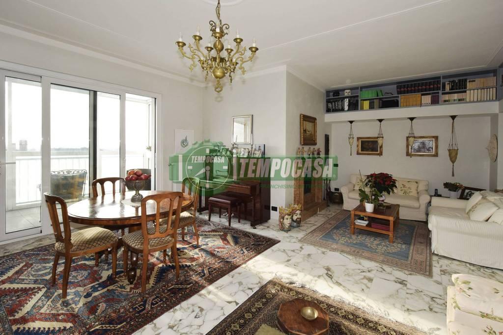 Attico / Mansarda in ottime condizioni in vendita Rif. 8815872
