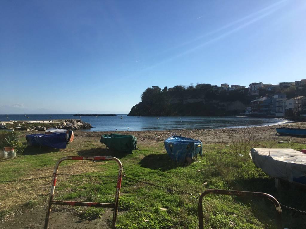 LEGGI BENE ANNUNCIO Locale A Marina Grande BACOLI