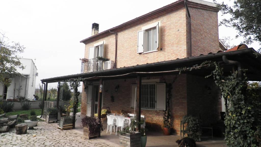 Villa via Troia Km 5,5