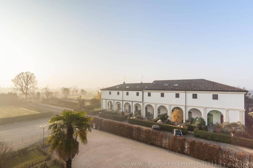 Splendida e Luminosa Mansarda su Barchessa di Villa Veneta