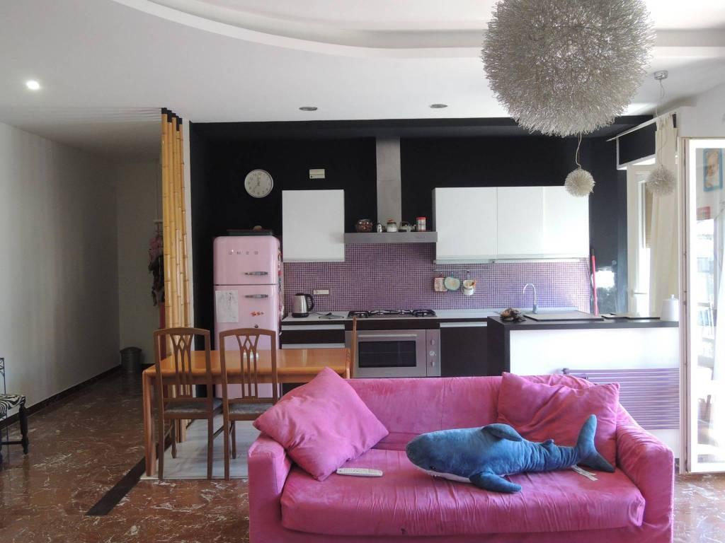 Appartamento in buone condizioni arredato in vendita Rif. 8816306