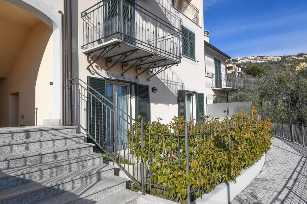 Appartamento in ottime condizioni arredato in vendita Rif. 8814367