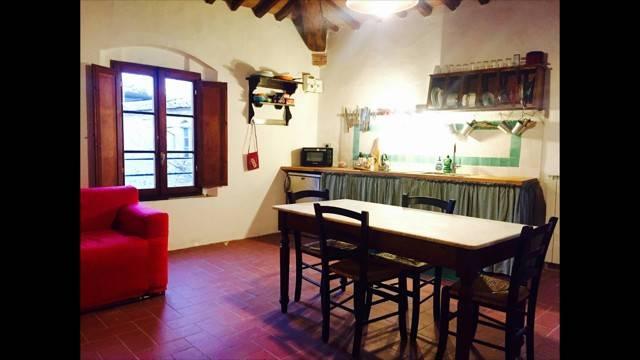 Appartamento in ottime condizioni arredato in affitto Rif. 8814241