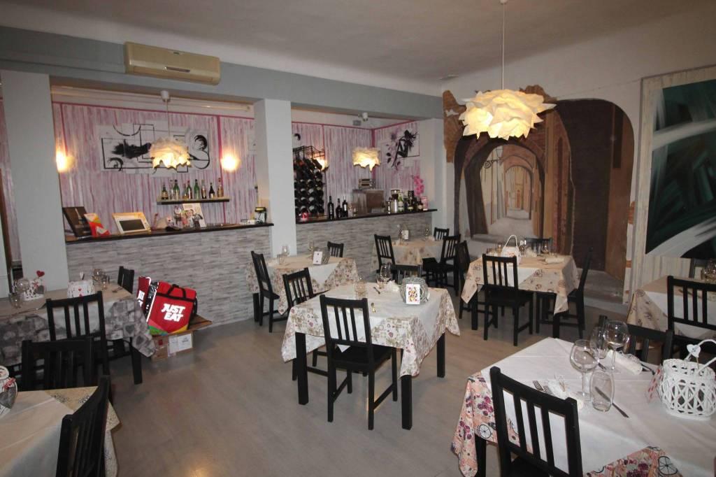 Nei pressi della Cattedrale di Ferrara, cedesi consolidata attività di ristorante unitamente alla s Rif. 8816711
