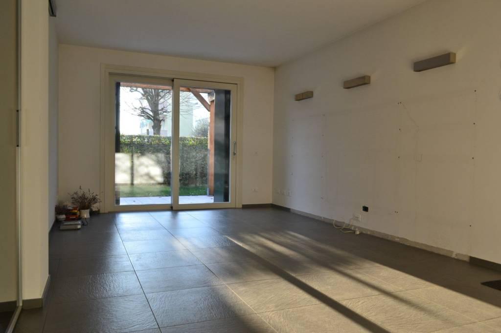 Villa in vendita Rif. 8815626