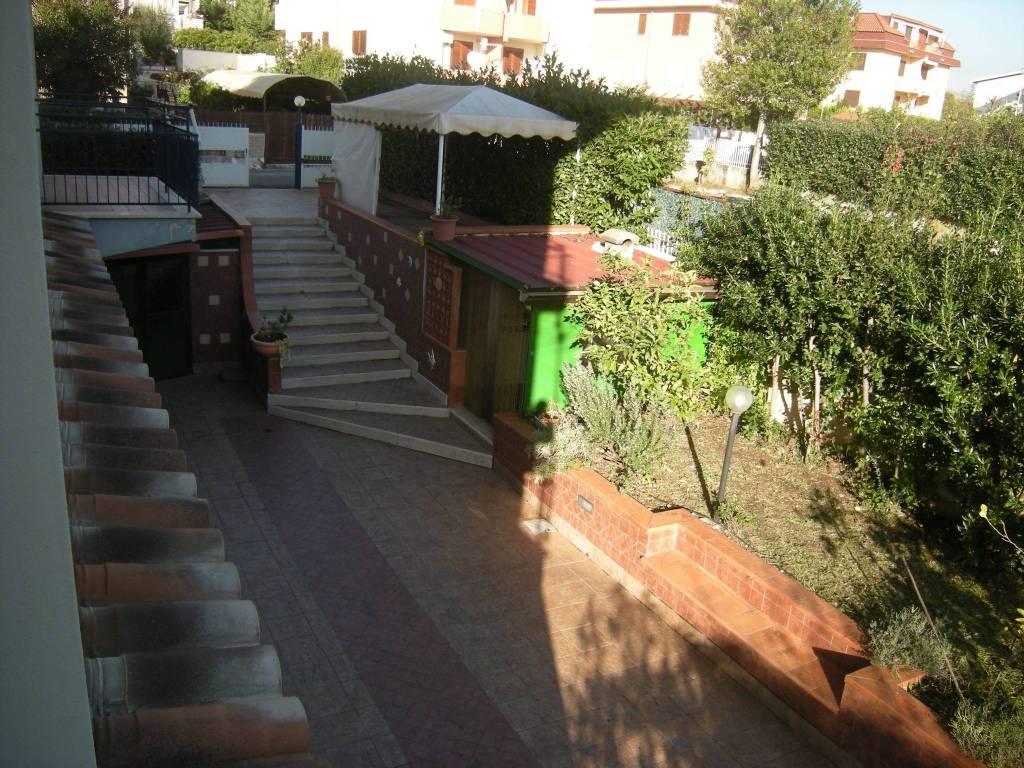 Villa in ottime condizioni in vendita Rif. 8816353