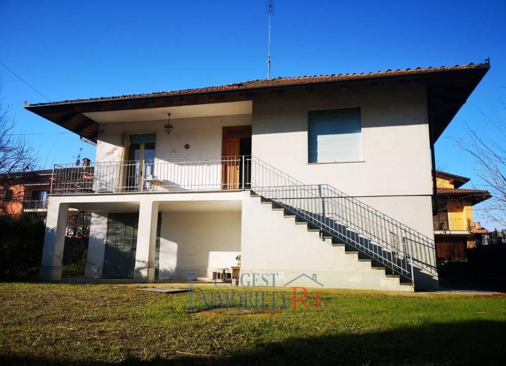 Foto 1 di Villa strada Vigone, Villafranca Piemonte