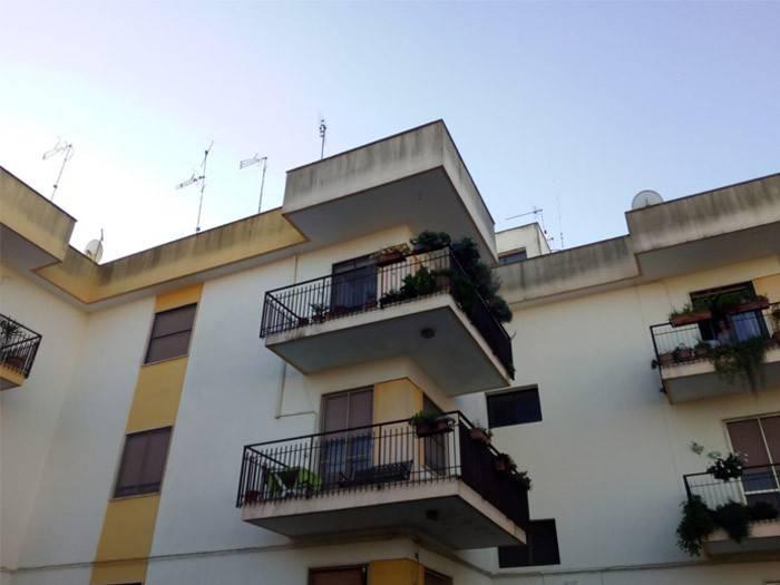 Appartamento in buone condizioni in vendita Rif. 8819281