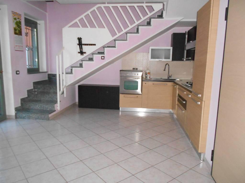 Appartamento in ottime condizioni parzialmente arredato in vendita Rif. 8834447