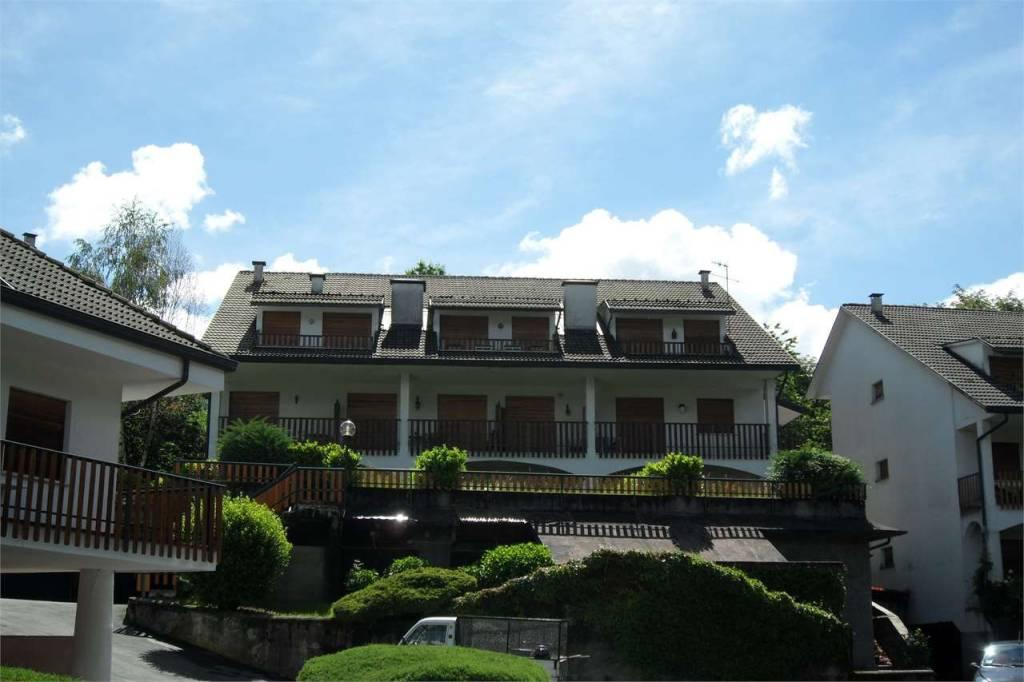 Appartamento in buone condizioni arredato in vendita Rif. 7136365