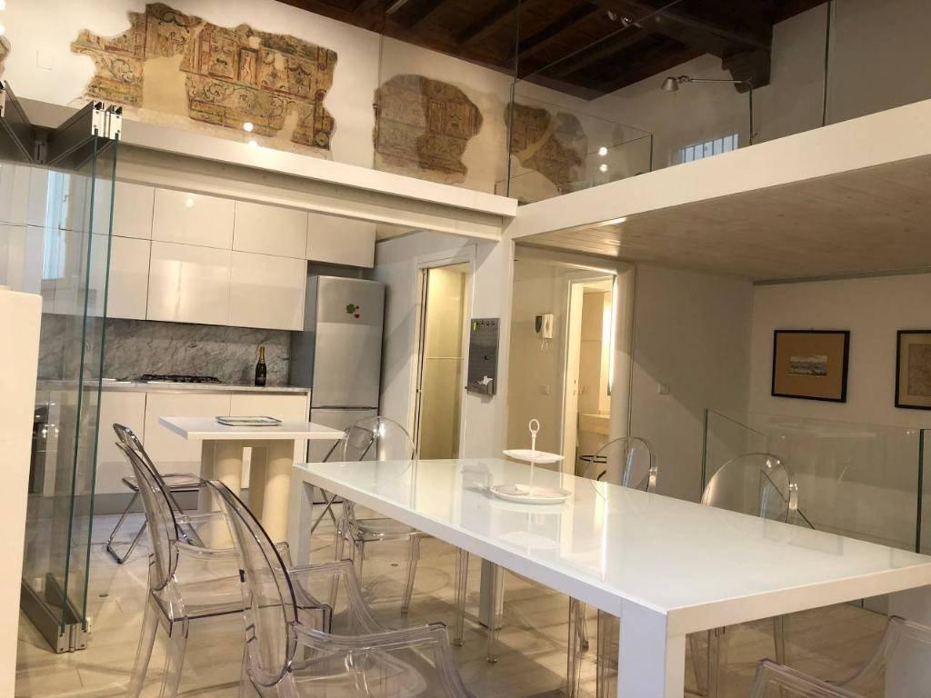 Appartamento in ottime condizioni arredato in affitto Rif. 8829890