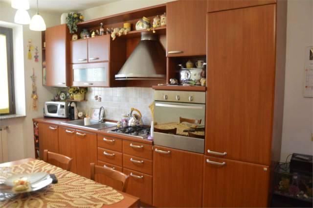 Appartamento in buone condizioni in vendita Rif. 4602277