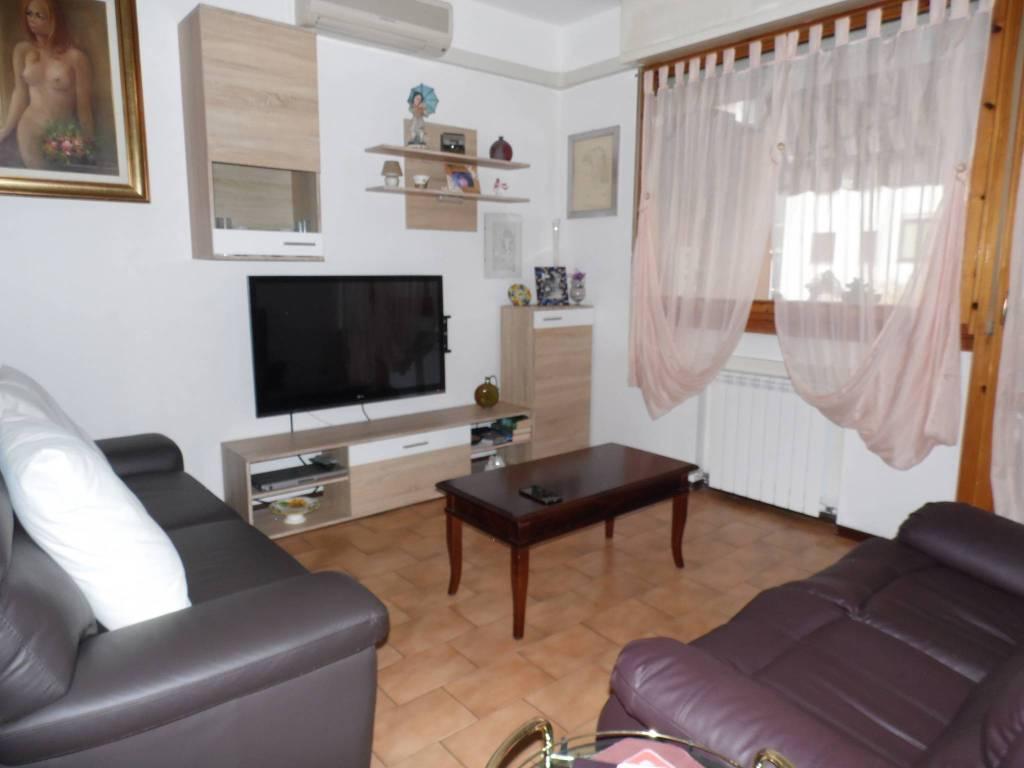 Appartamento in ottime condizioni in vendita Rif. 8831670